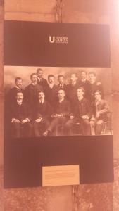 """""""Jóvenes egresados de la carrera de medicina, 1885""""."""
