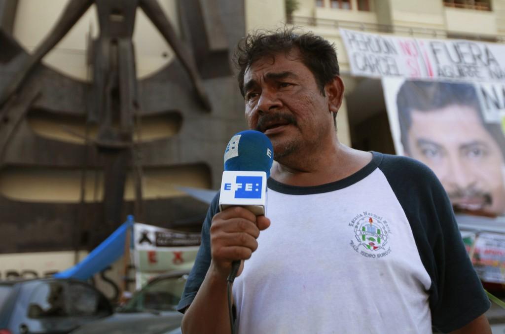 Felipe de la Cruz, vocero de los padres de familia.