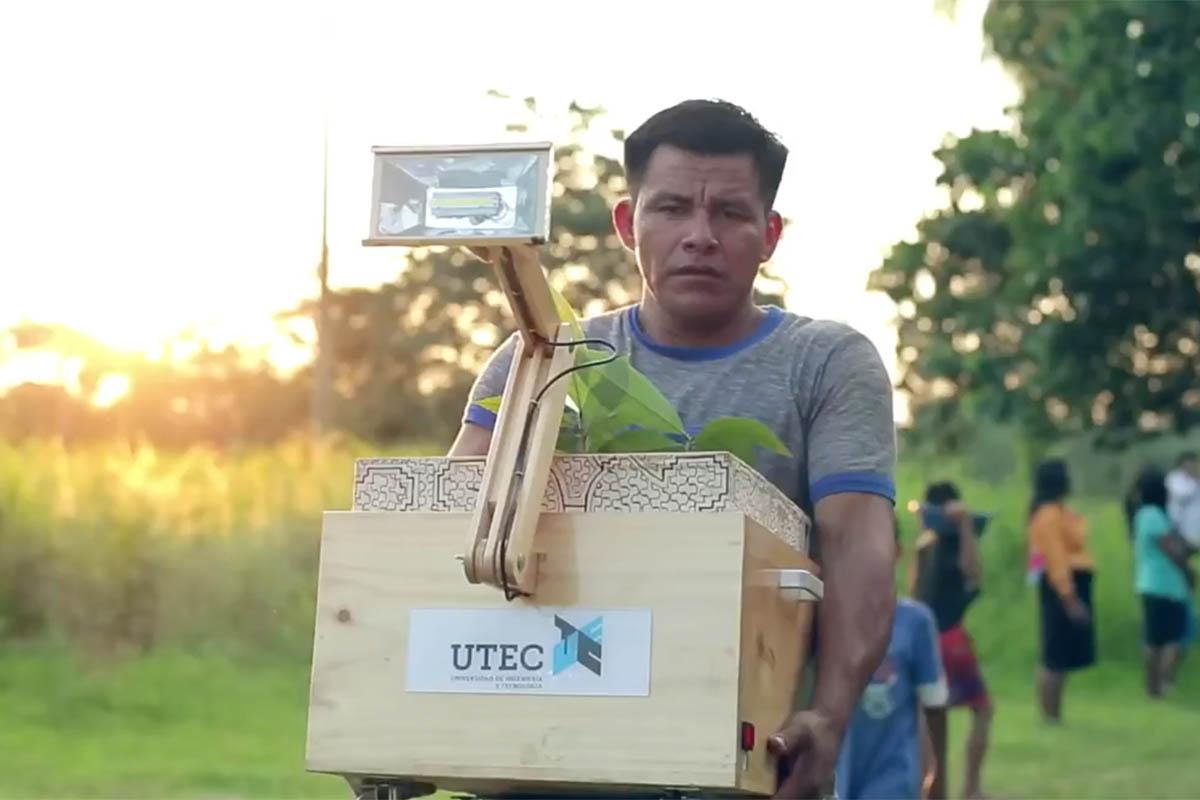 UTEC_PlantLamp15