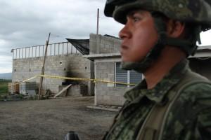"""ALMOLOYA, ESTADO DE MÉXICO, 12JULIO2015.- Vista de la casa donde presuntamente escapó Joaquín """"El Chapo"""" Guzmán luego que este conectara el penal de máxima seguridad del Altiplano por medio de un túnel de mil 500 metros de longitud aproximadamente. FOTO: ISABEL MATEOS / CUARTOSCURO.COM"""